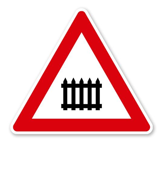 Bahnübergang mit Schranken oder Halbschranken - Verkehrsschild VZ 150