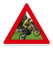 Verkehrsschild Achtung, Motocross
