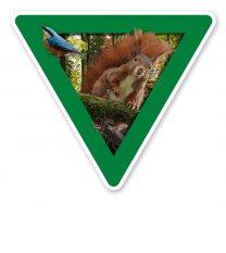 Verkehrsschild Vorsicht, Waldnaturschutzgebiet (grün)