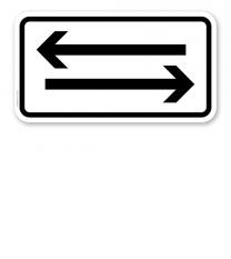 Zusatzschild Verkehr in beide Richtungen, zwei waagerechte Pfeile – Verkehrsschild VZ 1000-30