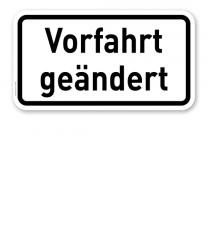 Zusatzschild Vorfahrt geändert – Verkehrsschild VZ 1008-30