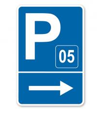 Parkplatzschild mit Pfeil rechts und Nummerierung – P