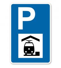 Parkplatzschild - Bahnhof - mit Symbol – P
