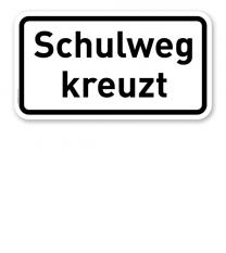 Zusatzschild Schulweg kreuzt – Verkehrsschild VZ 2304