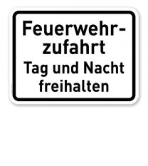 Zusatzschild Feuerwehrzufahrt Tag und Nacht freihalten - Verkehrsschild VZ 2433