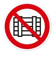 Verbotszeichen Nichts abstellen oder lagern nach BGV A8 - P12